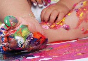 messy_play_childs_feet